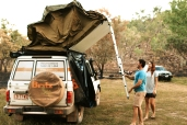 Prem econ up to 5 people 4wd Britz Landcruiser