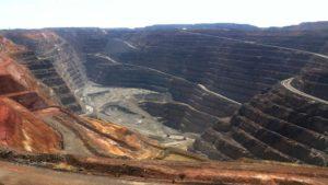 kalgoorlie-boulder-super-pit-mine-from-public-lookout