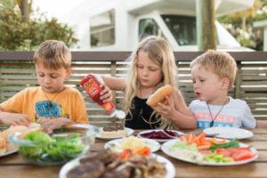 kids-mealtimes