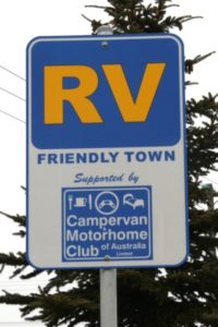 rv_friendly_town_sign_australia